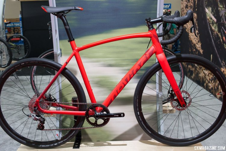 DeVinci Hatchet SX cyclocross/gravel bike. Interbike 2015. © Cyclocross Magazine