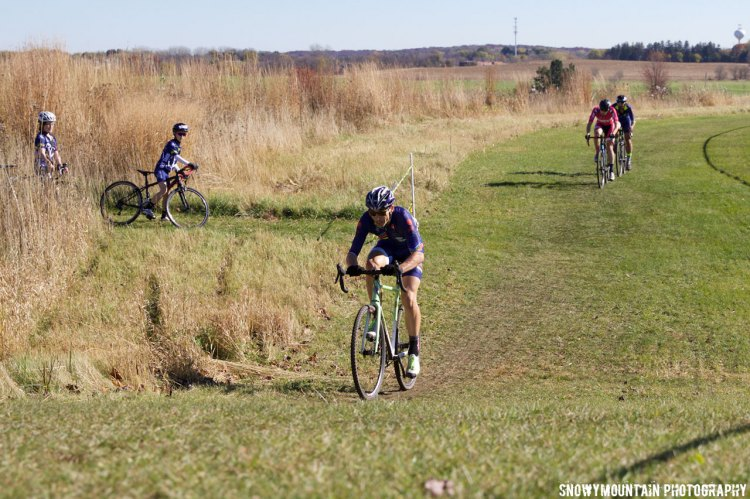 Chistopher Pike (Evanston, IL) attacked Mike Conroy (Chicago, IL) and Timothy Tanner (Evanston, IL) on an early climb and pulled away for his fourth consecutive single speed win. © SnowyMountain Photography