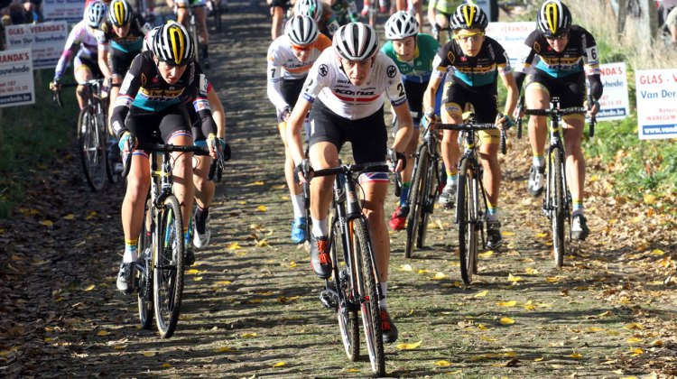Helen Wyman won in the final meters of round five of the 2015 Superprestige series held on the world-class Formula One racetrack Circuit de Spa-Francorchamps.