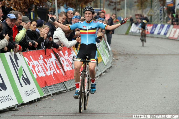 File photo: Sanne Cant, shown here at the European Cyclocross championships, continunted her winning ways with a victory at Superprestige Gavere. © Bart Hazen