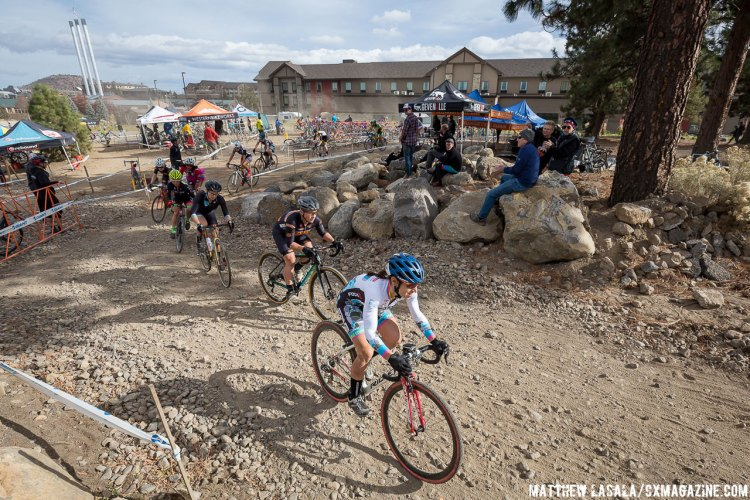 Women on the 1st lap weaved through the dirt and gravel of the Old Mill. © Matthew Lasala