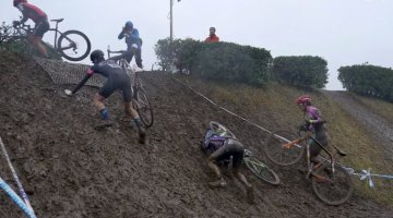 Japan's Starlight Cross Day 2 was a slippery, sloppy mudfest. © Pigmon