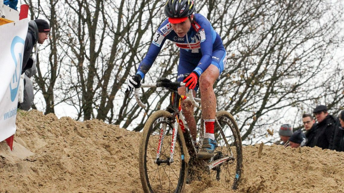 Sanne Cant made it look easy today. 2015 Koksijde World Cup Women. © B. Hazen / Cyclocross Magazine
