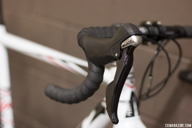 Shimano 105 STI shift levers are paired with 105 front and rear derailleurs to keep the shifting crisp on the 2016 Ridley X-Ride 30. © Cyclocross Magazine