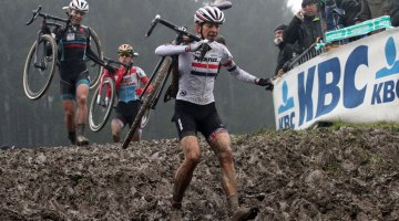 Helen Wyman's strong running and mud-riding abilities helped her take the win at Spa-Francorchamps. © Bart Hazen
