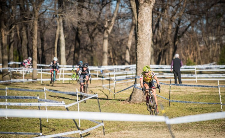 Emily Kachorek leads the early chase. © Andy Chasteen