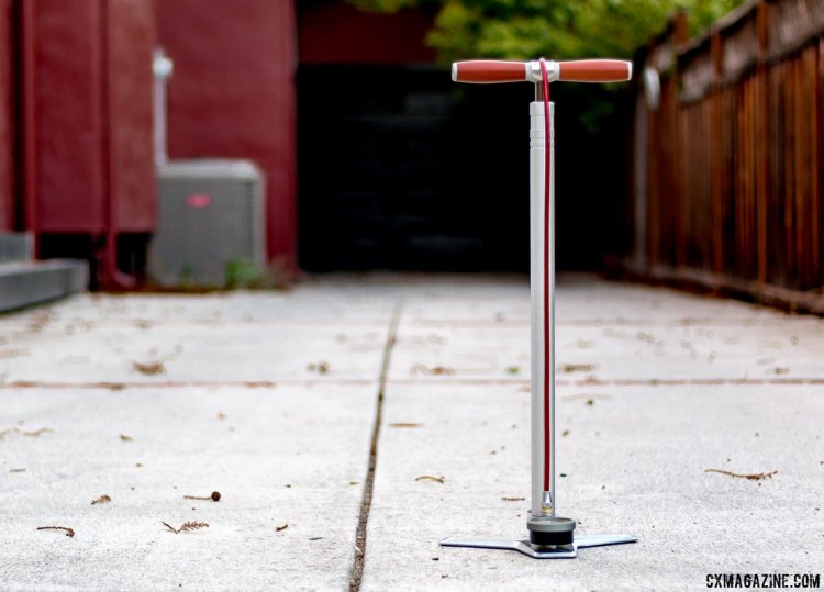 Silca's SuperPista Ultimate LP floor pump is an heirloom quality, high-performance tool for those only needing to go to 60 psi. © Cyclocross Magazine