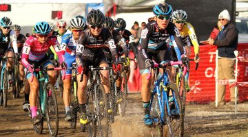 Caroline Mani takes to the front of the Elite Women's race at Jingle Cross. © David Mable
