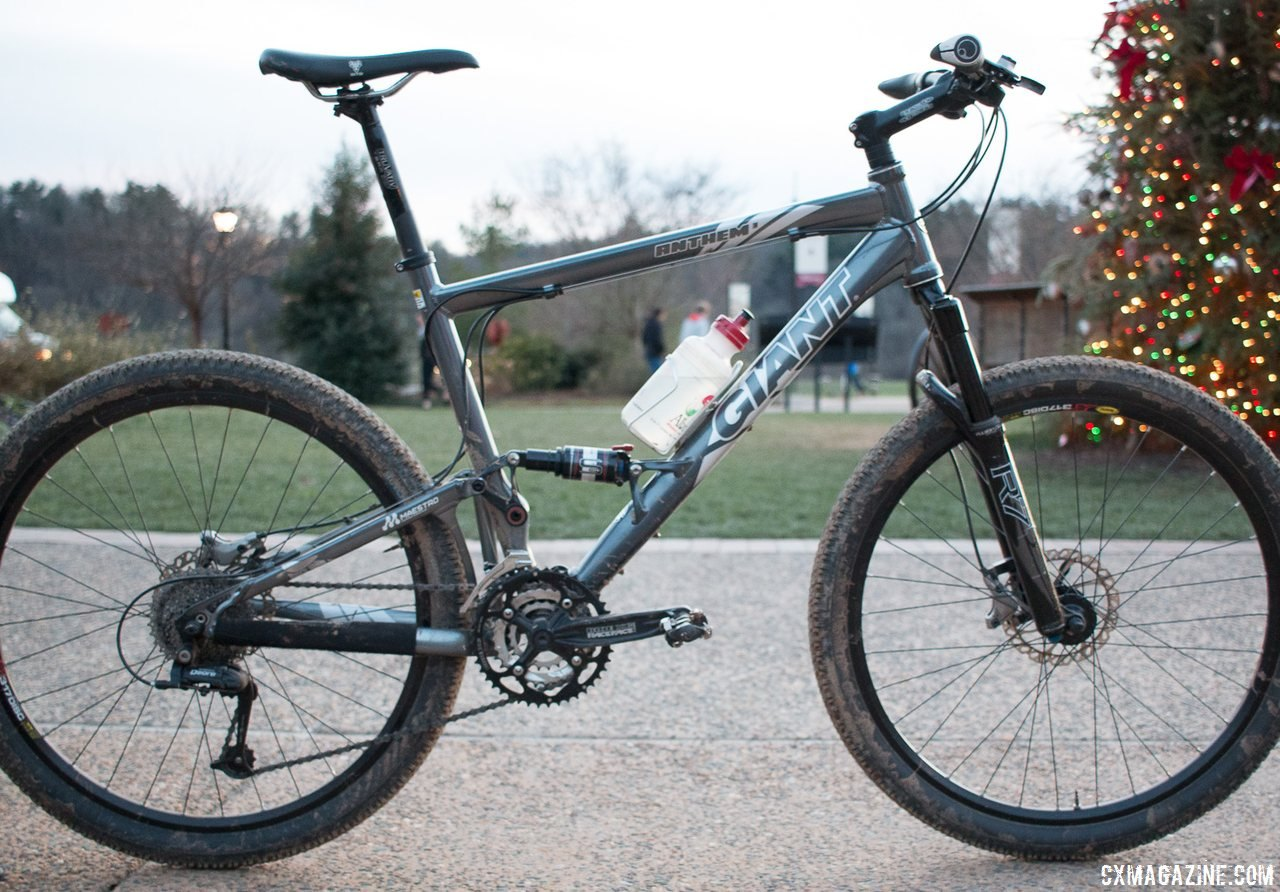 Marshall Gordon's Masters 75-79 title-winning 2006 Giant Anthem 3. © Cyclocross Magazine