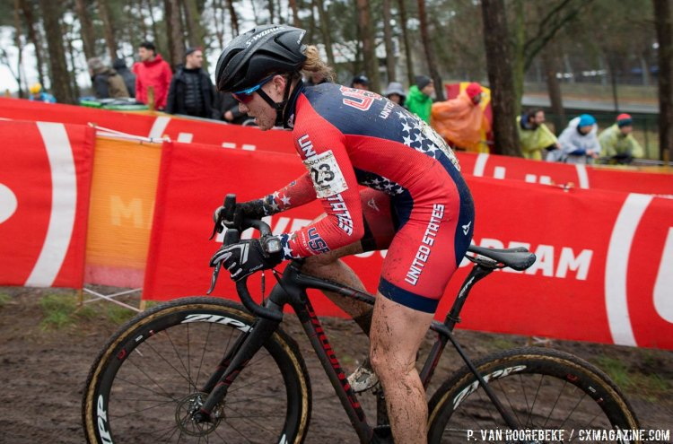 Elle Anderson had a much-improved World Championships, finishing in 14th after a disappointing race last year in Tabor. © Pieter Van Hoorebeke / Cyclocross Magazine