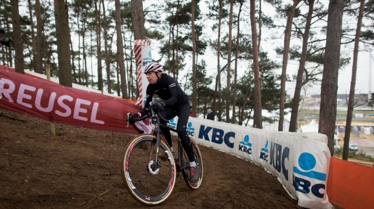 Helen Wyman takes stock of the World Championship course. Course Inspection. 2016 UCI Cyclocross World Championships. © P. Van Hoorebeke/Cyclocross Magazine