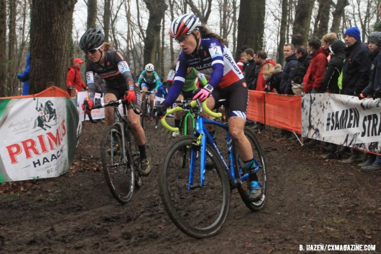 American Amanda Miller takes the inside line against French National Champion Caroline Mani. 2016 World Cup Hoogerheide. © Bart Hazen