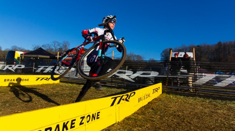 Melinda McCutcheon on her way to the win in the Masters Women 30-34, 2016 Cyclocross National Championships. © Cyclocross Magazine