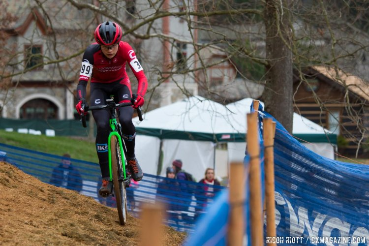 Gaelen Kilburn took an early lead before Gomez Villafane connected. © R. Riott / Cyclocross Magazine