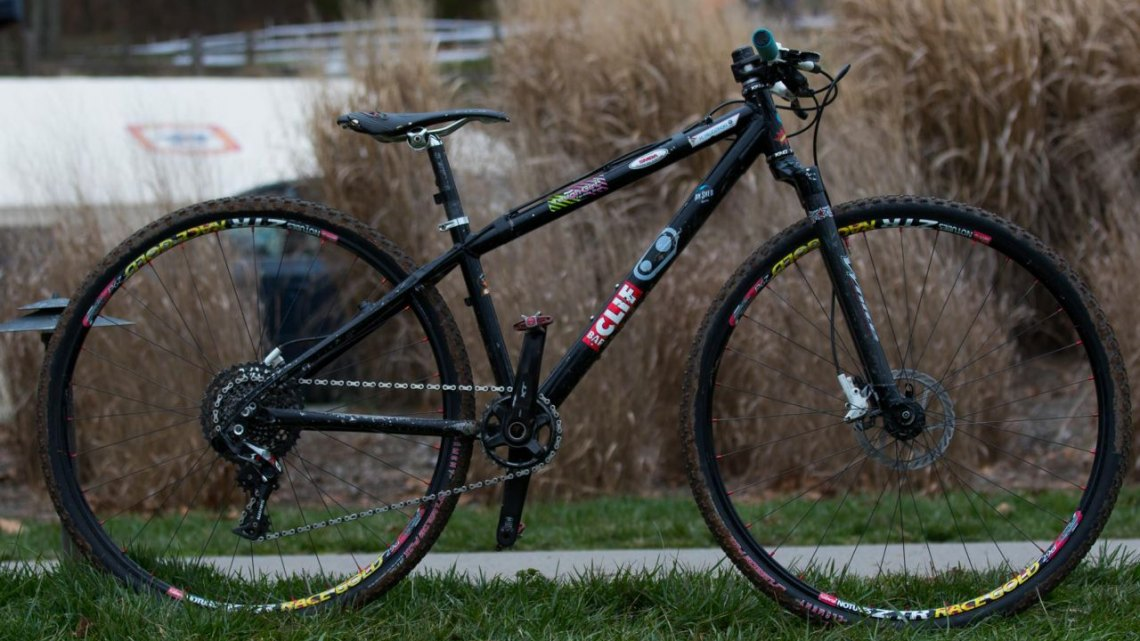 Haydn Hludzinski's championship-winning Kinesis 29er with White Brothers Rock Solid carbon rigid fork. 2016 Cyclocross National Championships. © R. Riott/Cyclocross Magazine