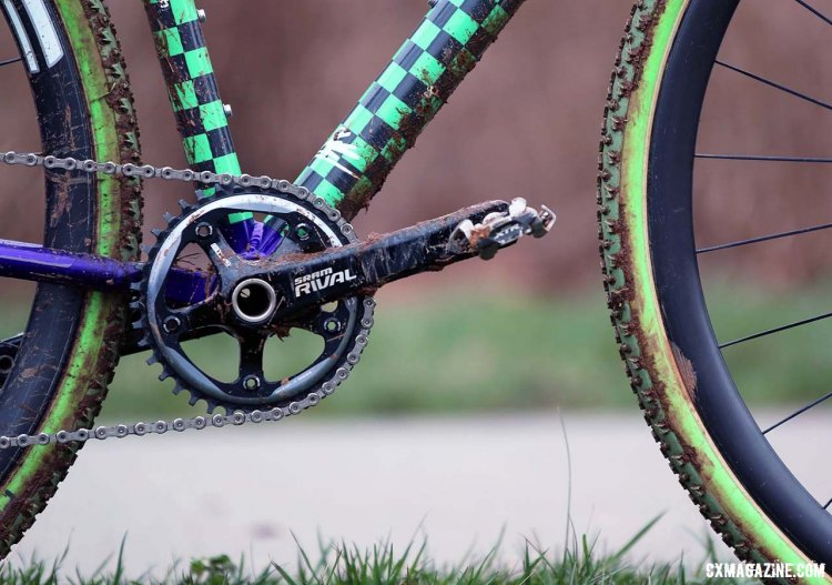 The 170mm Sram Rival cranks are fitted with a 38t Sram narrow wide chainring that works to keep the chain in place over the bumps and bobbles of a 'cross course. © Cyclocross Magazine