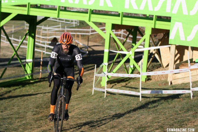 Whittier stormed the course to take the Men's 30-34 title in Asheville. © Cyclocross Magazine