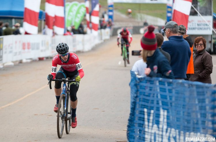Ben Gomez Villafañe leading Gaelen Kilburn with one to go. Junior Men 15-16, 2016 Cyclocross National Championships. © Cyclocross Magazine