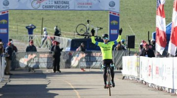 With arms raised, Jacob Lasley takes the Men's 35-39 title. © Cyclocross Magazine