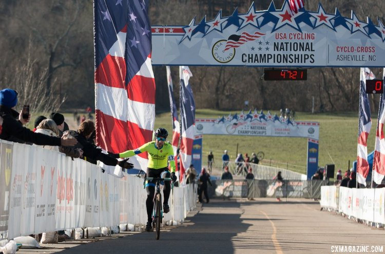 Lasley had time to celebrate after stretching out his lead when Shriver had a mechanical. Masters 35-39, 2016 Cyclocross National Championships. © Cyclocross Magazine