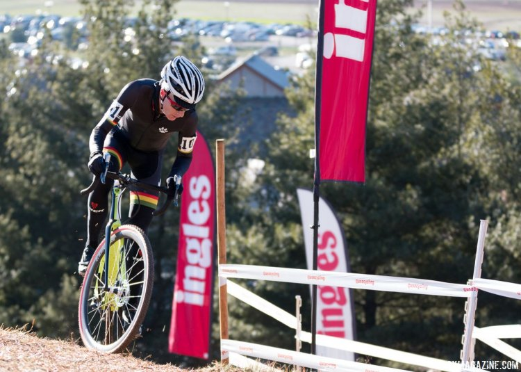 Shriver was able to climb the run-up. Masters 35-39, 2016 Cyclocross National Championships. © Cyclocross Magazine