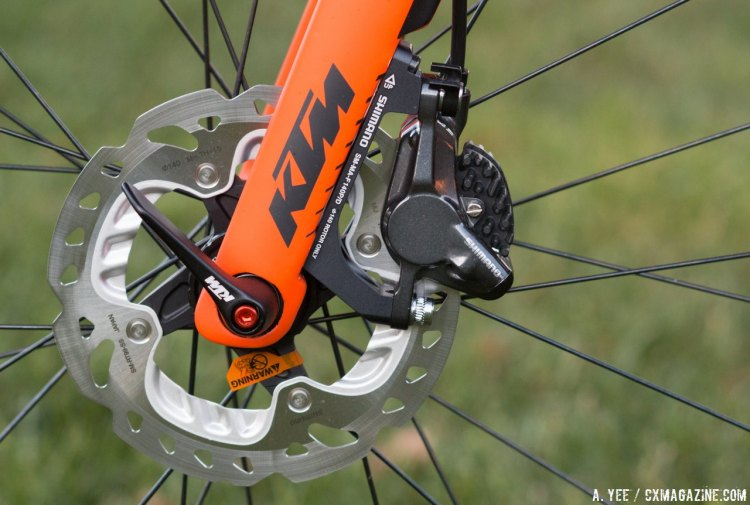 KTM's Canic CXC is a disc-only offering, following the trend within the industry, but straying from norms with a 15mm front and 135x12mm rear thru axle. © A. Yee / Cyclocross Magazine