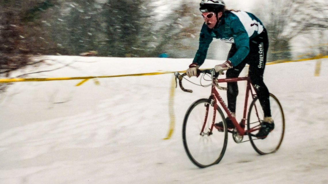 Dale Knapp, racing in third at the 1995 Cyclocross Nationals in Leceister, Mass. He would finish 5th. © Cyclocross Magazine
