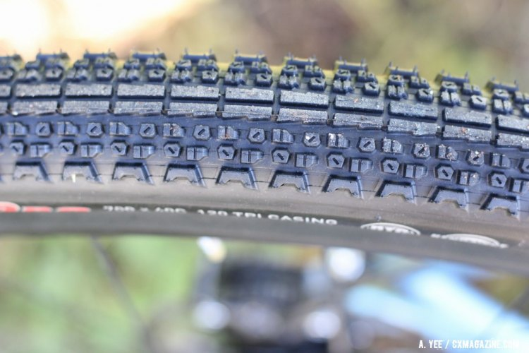 The Flintridge Pro is a fast rolling tire with some added cornering confiendece thanks to the fairly generous side knobs. © Andrew Yee / Cyclocross Magazine