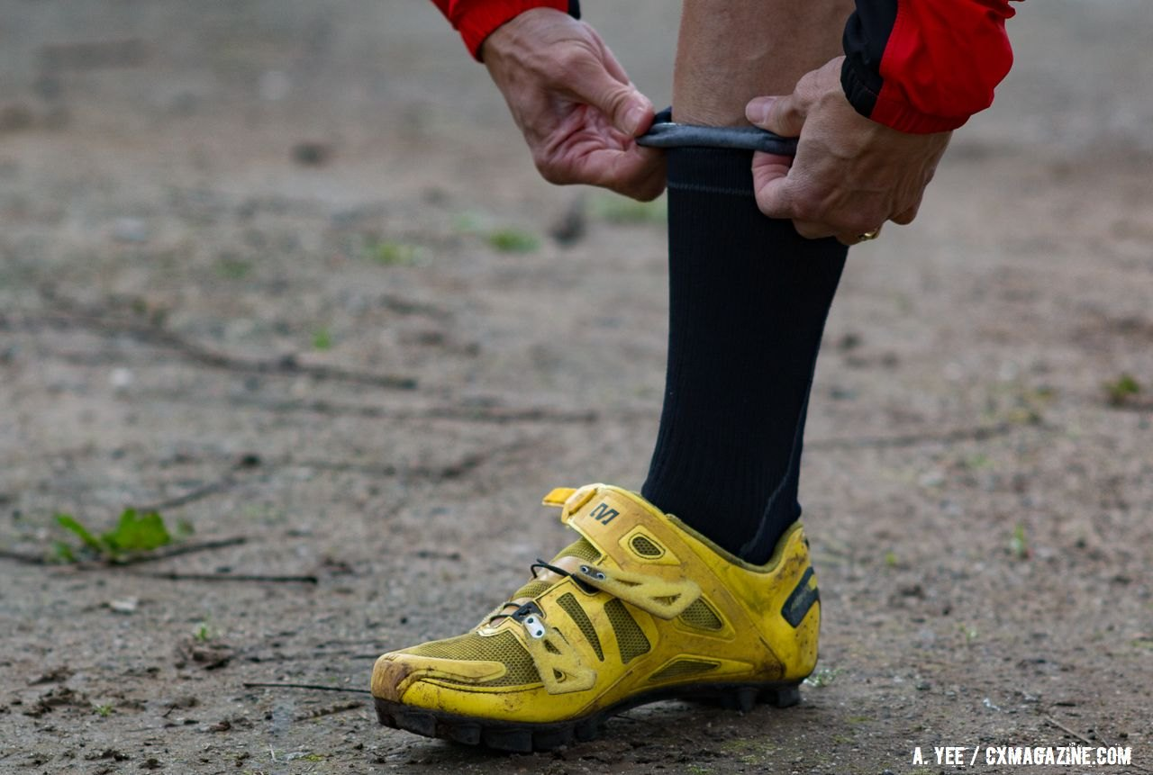 The SealSkinz socks have a HydroStop gasket to keep feet dry. SealSkinz waterproof socks. © Cyclocross Magazine