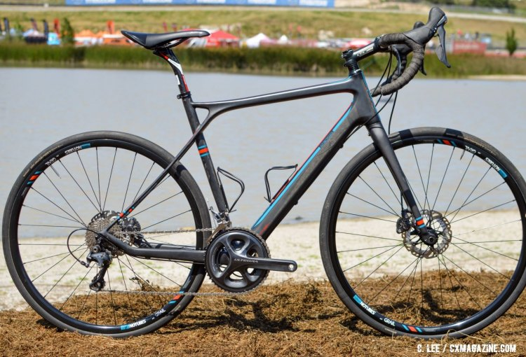 The 2017 GT Grade Carbon gravel bike. 2016 Sea Otter Classic. © Clifford Lee / Cyclocross Magazine