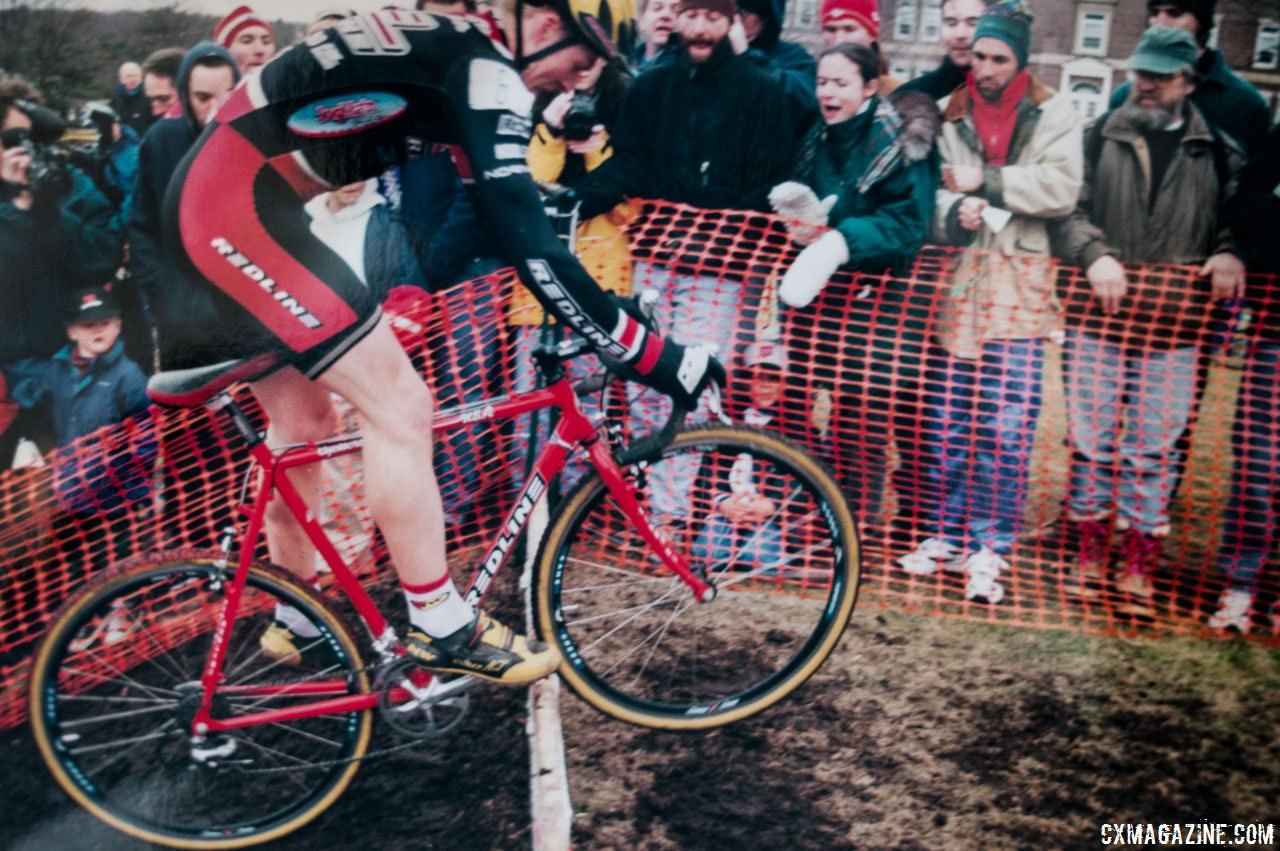 """So many have won on Redlines, but nobody put on a bigger show than Jonny """"The Cat"""" Sundt. Seen here as he hops the barriers at the Saturn Super Cup on his Redline Conquest. © Andrew Yee, Cyclocross Magazine"""
