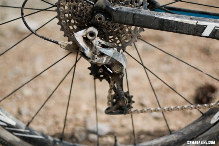 A SRAM Force 1 rear derailleur took the chain across the 10-42 cassette. ©️ Cyclocross Magazine