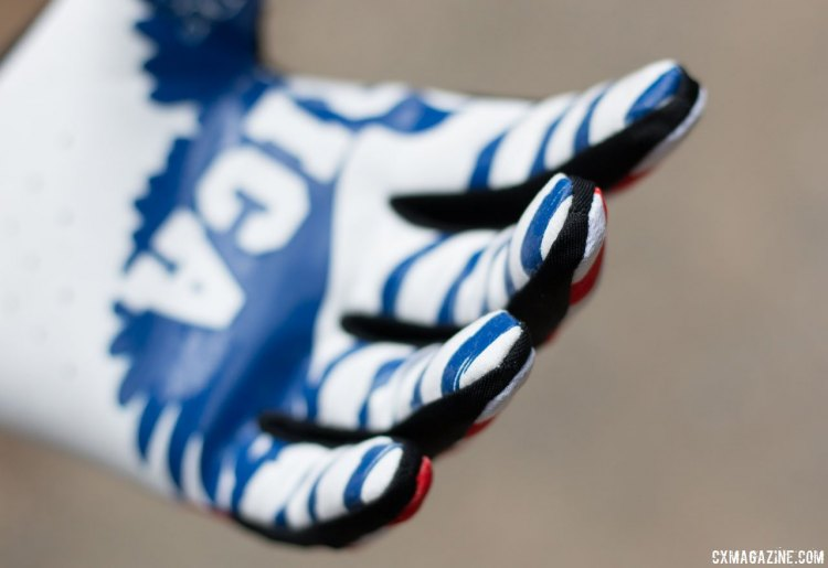 The long finger gloves contour nicely to the volume of your digits. Handup Gloves. © Cyclocross Magazine