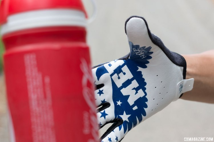 No straps, velcro or armor here. Handup Gloves are focused on bar and beverage container feel. © Cyclocross Magazine