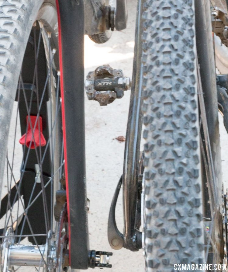 There's breathing room between the bikes on the Allen Sports S535 Premier 3-bike hitch rack. © Cyclocross Magazine