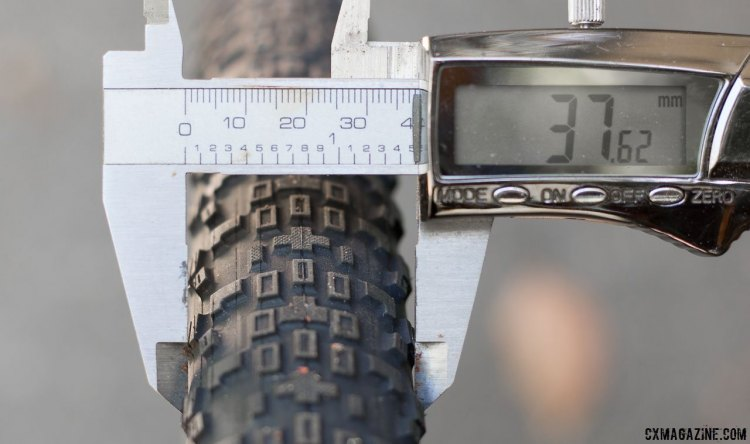 On a 19mm internal width rim, the Rambler is still far short of 40mm. Maxxis Rambler 40c gravel tire review. © Cyclocross Magazine