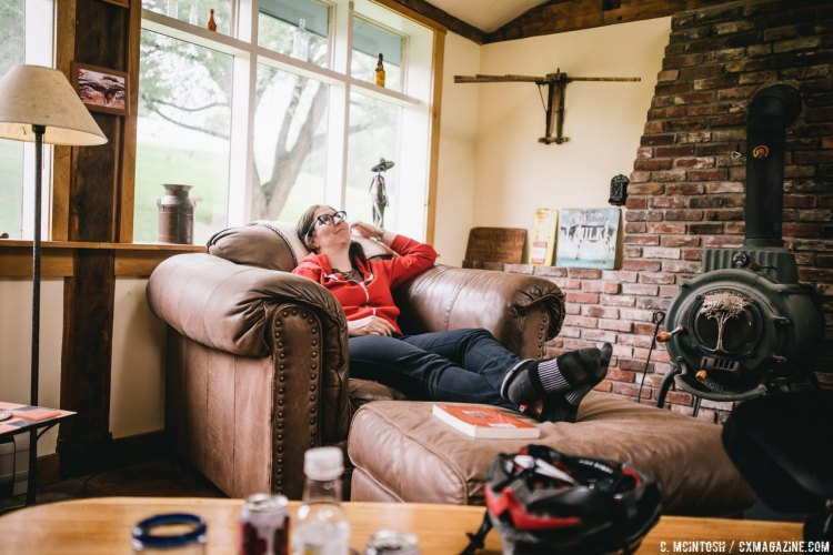 Post-ride recovery and story telling. © Chris McIntosh / Cyclocross Magazine