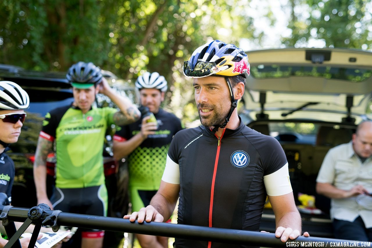 Ask questions of the coaches, you never know what you're going to learn. © Chris McIntosh / Cyclocross Magazine