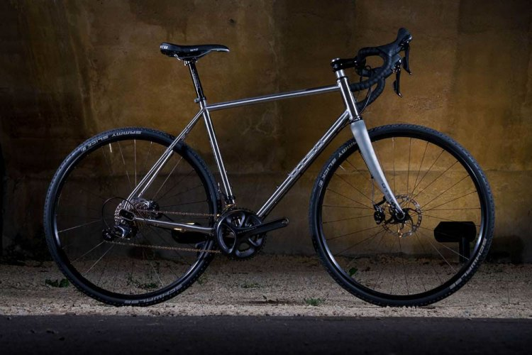 Otso stainless steel Warakin drop bar cyclocross / gravel bike. © Cyclocross Magazine