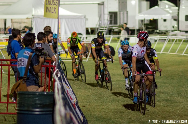 Sweeck looking for help in chasing van Aert. Two laps to go. 2016 CrossVegas World Cup, Elite Men. © A. Yee / Cyclocross Magazine