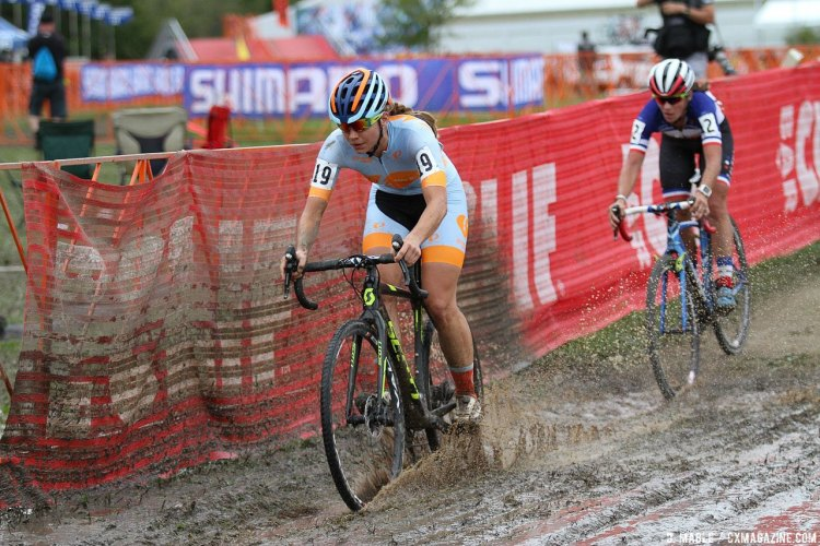 Rebecca Fahringer leads Caroline Mani, and capped off an impressive three weeks of racing. 2016 Jingle Cross Day 3 UCI C1, Elite Women. © D. Mable / Cyclocross Magazine
