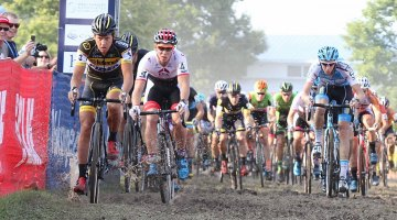 Meeusen leads the men to the mud. 2016 Jingle Cross World Cup, Elite Men. © D. Mable / Cyclocross Magazine