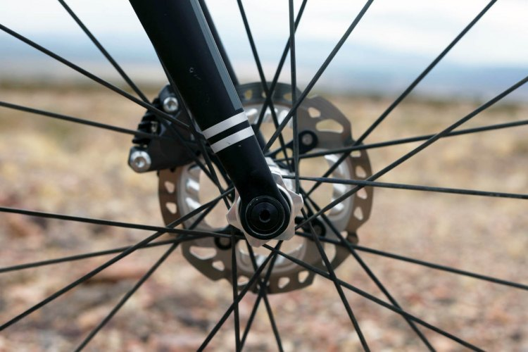 The carbon fork features a 100x12 thru-axle. © Cyclocross Magazine