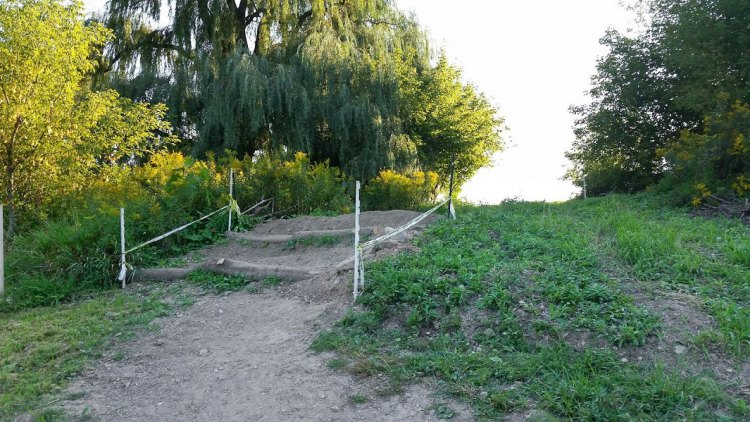 Rideable stairs, for some. 2016 Trek CXC Cup cyclocross course preview. © Zachary Schuster