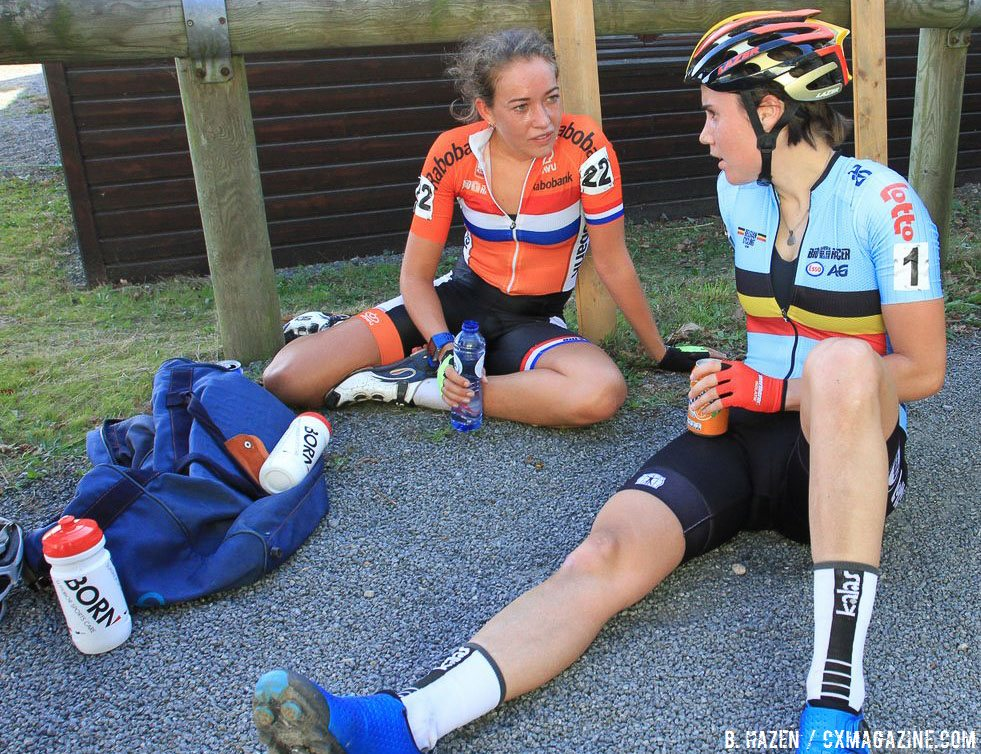 De Boer and Cant comparing race notes, perhaps brainstorming on how to beat De Jong this season. 2016 UEC European Cyclocross Championships, Elite Women. © B. Hazen / Cyclocross Magazine
