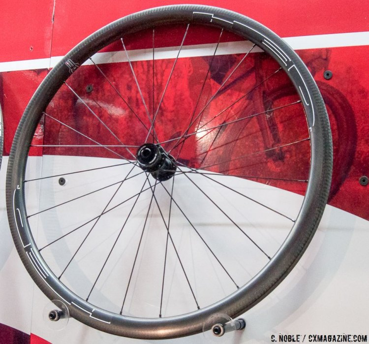 HED's Stinger 3 features a 3mm deep cross-specific carbon layup and comes in disc and rim brake versions. © C. Noble / Cyclocross Magazine