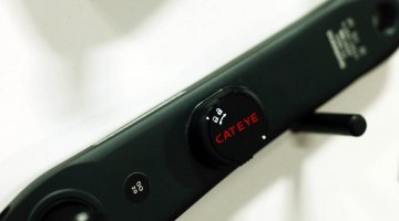 Cateye claims that what makes this power meter unique is its ability to measure power through tri-axial strain that the crank arm is subjected to under torque. © Cyclocross Magazine