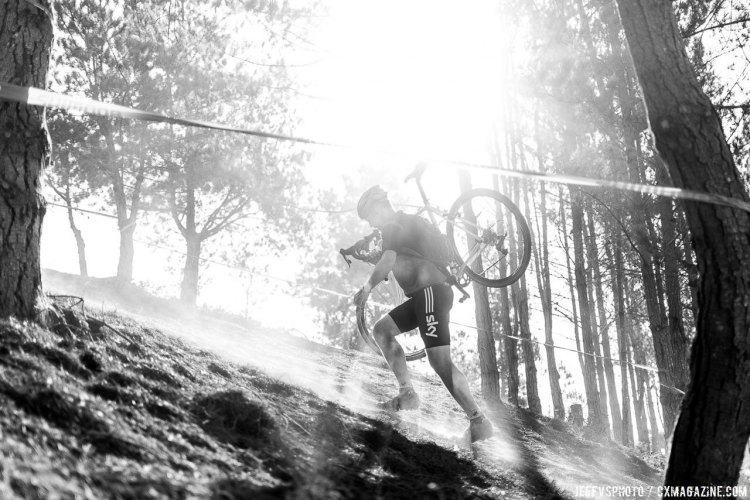 The defining feature of the course was the steep, rocky, hardpack run-up through a gap in the trees. © Jeff Vander Stucken
