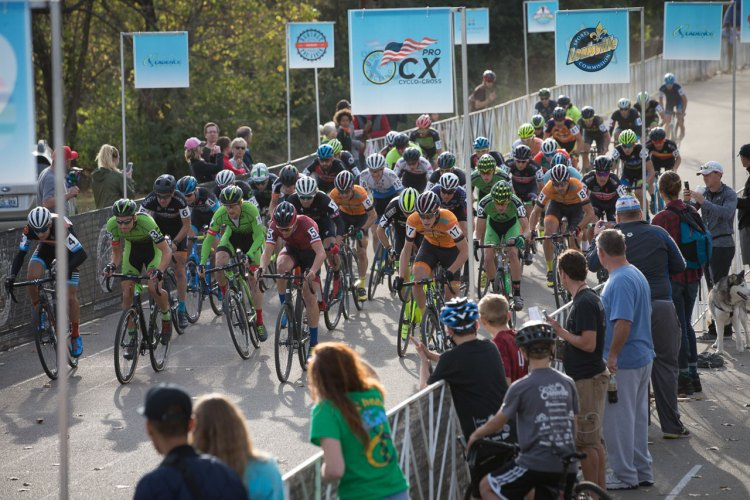 The race for the holeshot, and Louisville fame. Derby City Cup Cyclocross Race Day 1. © Wil Matthews