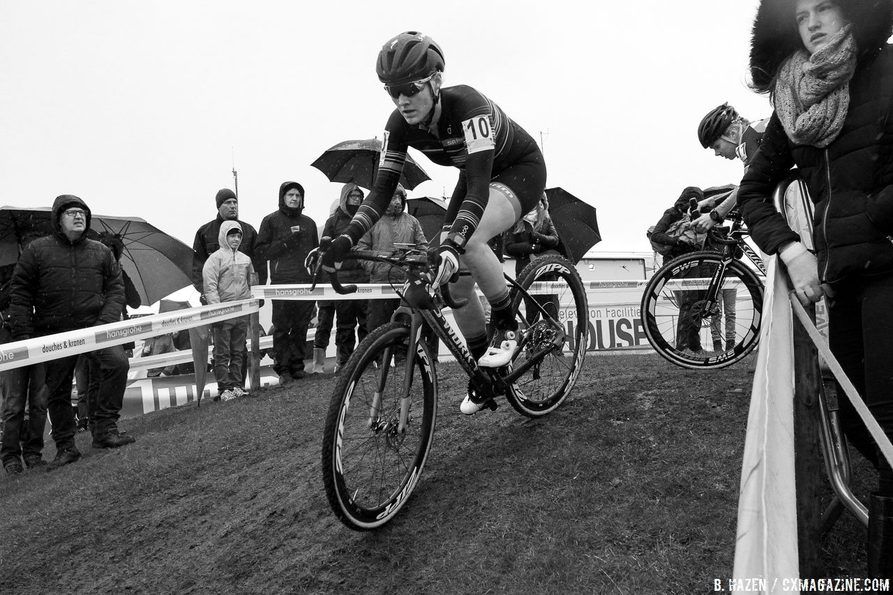 Ellle Anderson continued her European campaign, finishing in 7th. 2016 Superprestige Ruddervoorde cyclocross race, Elite Women. © B. Hazen / Cyclocross Magazine